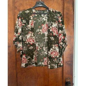 🌹Beautiful Floral Shortsleeve Dress Sweater🌹